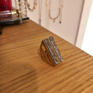 Statement Stone Modern Ring